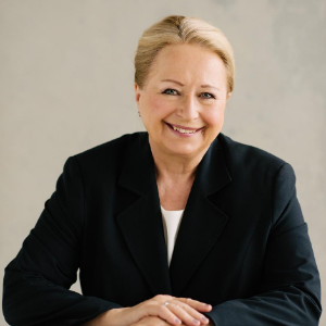 Speaker - Ursula Becker-Peloso